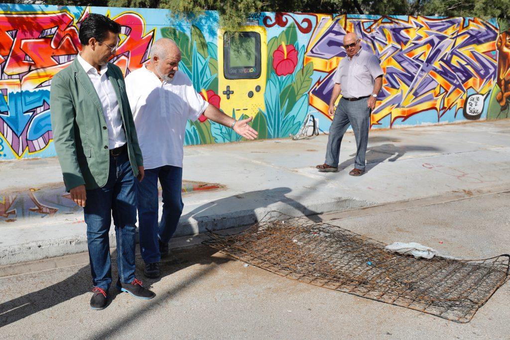 EL PSOE exige la limpieza inmediata del antiguo botellódromo ante el abandono del gobierno de la derechas Visita-al-antiguo-Botellódromo-2-1024x683