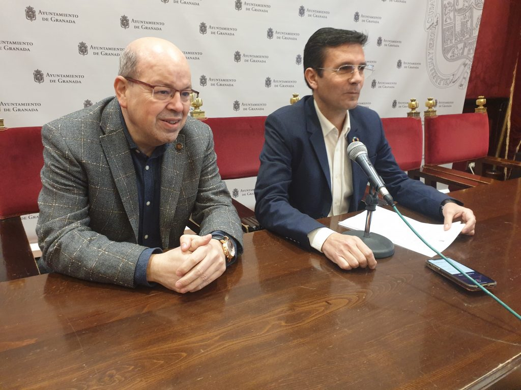 EL PSOE ELEVA UNA MOCIÓN AL PLENO PARA DEFENDER LA AUTONOMÍA DEL PARQUE DE LAS CIENCIAS CUENCA-Y-PACO-HERRERA-EN-RUEDA-DE-PRENSA-HOY-PARQUE-DE-LAS-CIENCIAS-1024x768