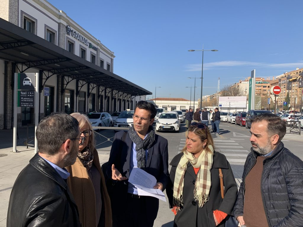 EL PSOE ELEVA UNA MOCIÓN AL PLENO PARA INSTAR AL GOBIERNO LA RECUPERACIÓN DE LOS TRENES CONVENCIONALES VISITA-HOY-A-LA-ESTACION-DE-RENFE-1024x768