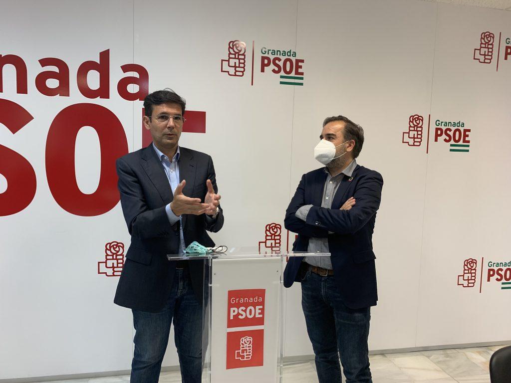 EL PSOE DE LA CAPITAL DENUNCIA QUE EL PACTO DE PP Y CS EN LA JUNTA Y EN EL AYUNTAMIENTO HA SERVIDO PARA SAQUEAR LAS INSTITUCIONES GRANADINAS CUENCA-Y-CALVO-HOY-EN-RUEDA-DE-PRENSA-1024x768