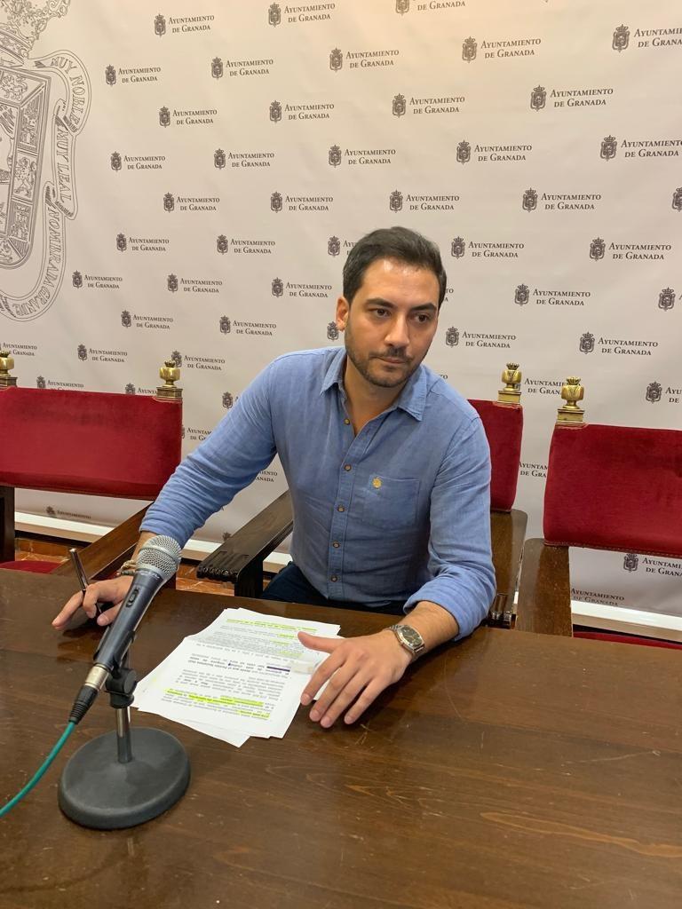 EL PSOE EXIGE AL EQUIPO DE GOBIERNO CONSENSUAR LOS CAMBIOS DE MOVILIDAD CON TODOS LOS DISTRITOS Eduardo-Castillo-Concejal-GMS-768x1024
