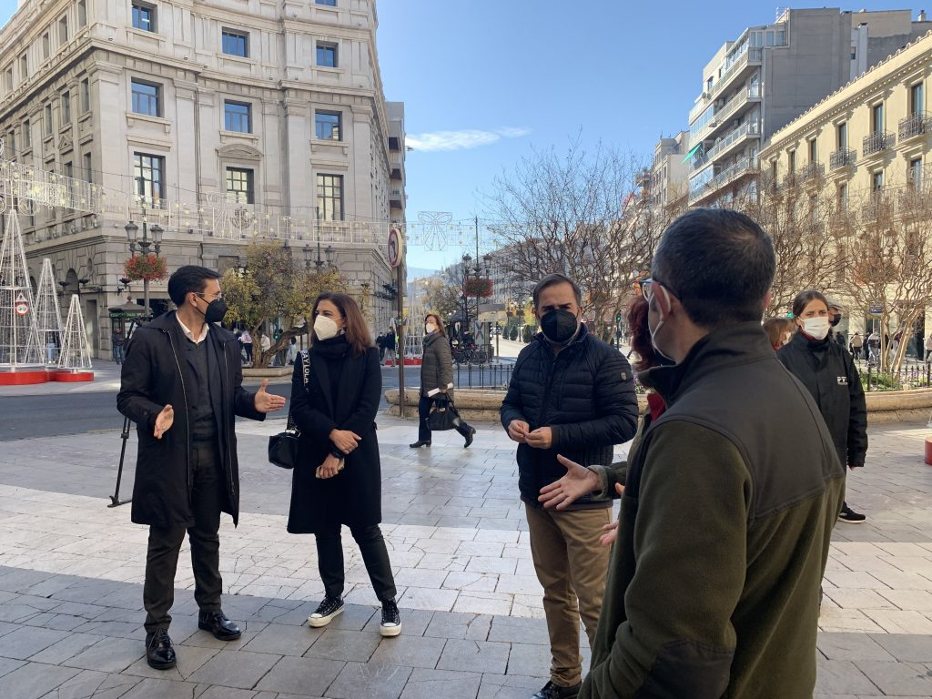 EL PSOE TILDA DE INSUFICIENTES LAS AYUDAS DE LA JUNTA PARA GRANADA Y RECLAMA UN PLAN EN EXCLUSIVA PARA LOS SECTORES MÁS AFECTADOS Concejales-del-PSOE-hoy-en-rueda-de-prensa-1024x768