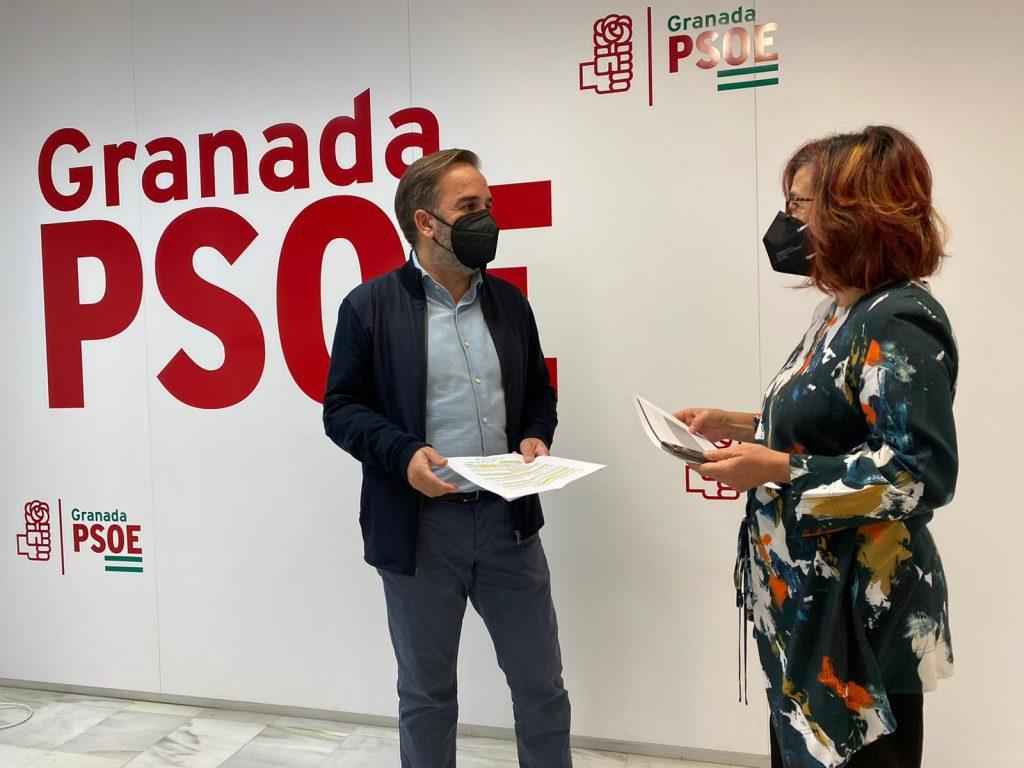 EL PSOE EXIGE A LA JUNTA CRIBADOS MASIVOS PARA LA CAPITAL Y PREPARACIÓN PARA FUTURAS OLAS JACABO-CALVO-Y-MARIA-ARNEDO-HOY-EN-LA-SEDE-DEL-PSOE-1024x768