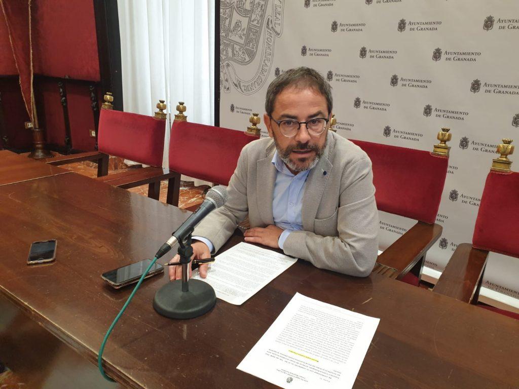 EL PSOE DENUNCIA LA FALTA DE MANTENIMIENTO EN LOS CAMINOS RURALES DE LA CAPITAL Y EXIGE AL AYUNTAMIENTO SU ARREGLO FERNANDEZ-MADRID-EN-UNA-FOTO-DE-ARCHIVO-1024x768