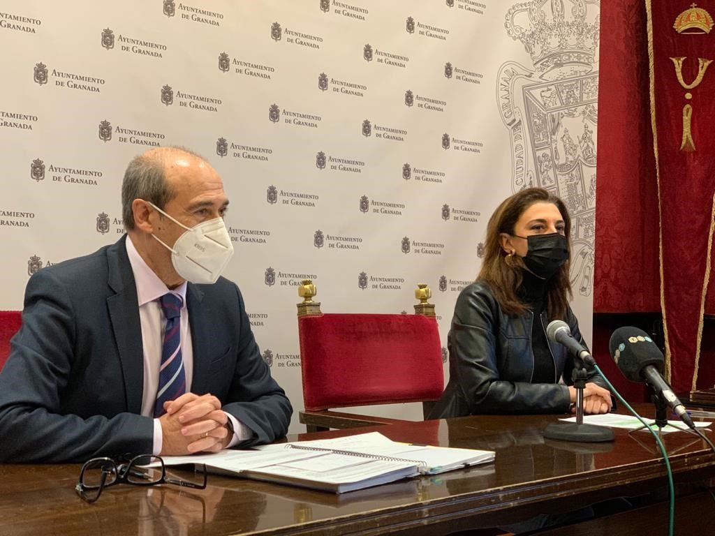 El PSOE PIDE AL BIPARTITO BONIFICAR EL IBI A LA HOSTELERÍA, AL COMERCIO Y A LA CULTURA RUZ-Y-CORPAS-HOY-EN-RUEDA-DE-PRENSA-1024x768