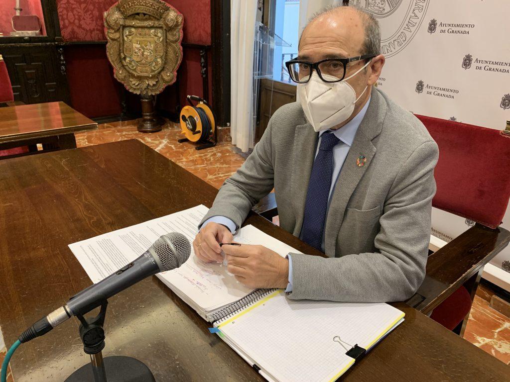 El PSOE ACUSA A PP Y CS DE SER MALOS GESTORES Y ARRUINAR A LAS EMPRESAS GRANADINAS POR IMPAGOS 8-CORPAS-EN-RUEDA-DE-PRENSA-1024x768