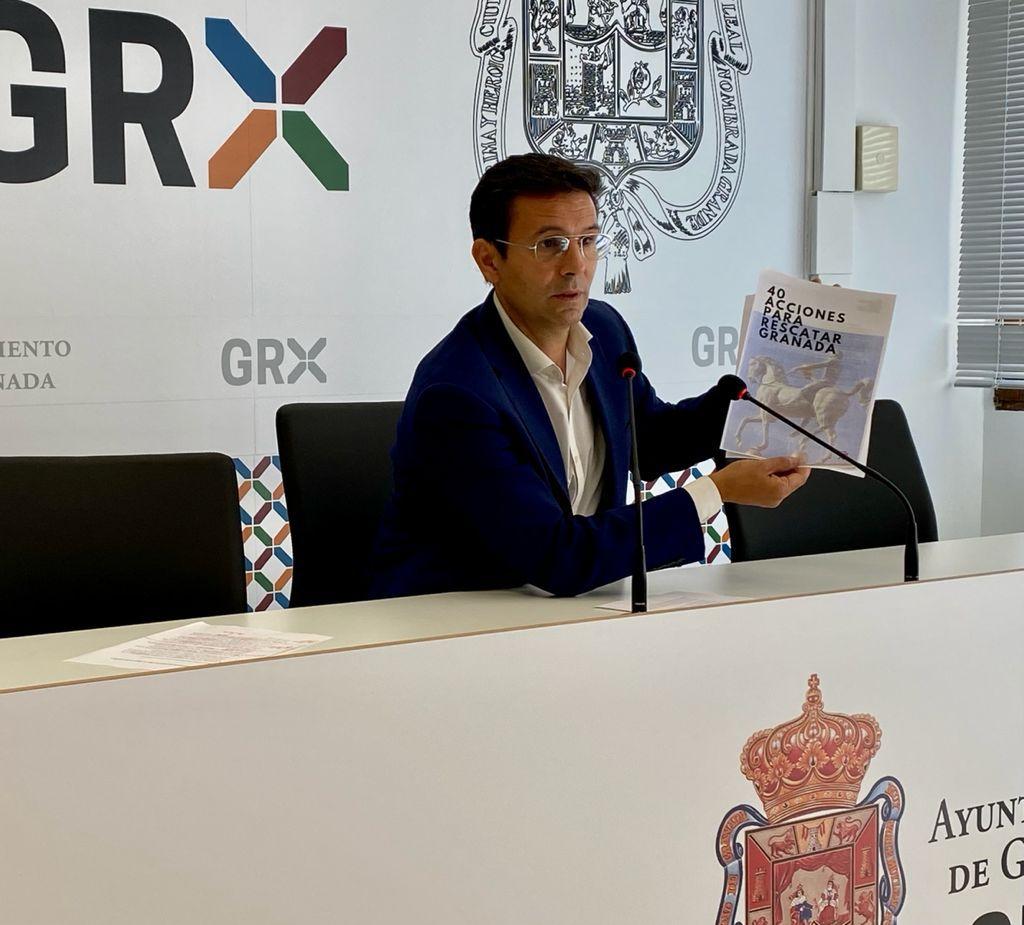 CUENCA INICIA LA RONDA DE CONTACTOS CON LOS GRUPOS POLÍTICOS Y PRESENTA UN PLAN DE 40 MEDIDAS PARA RESCATAR GRANADA cuenca-hoy-en-rueda-de-prensa
